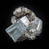 Beryl var. Aquamarine cat's eye w Mica